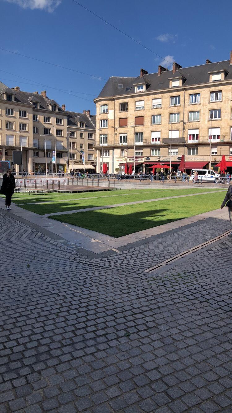 Rue des Sergents